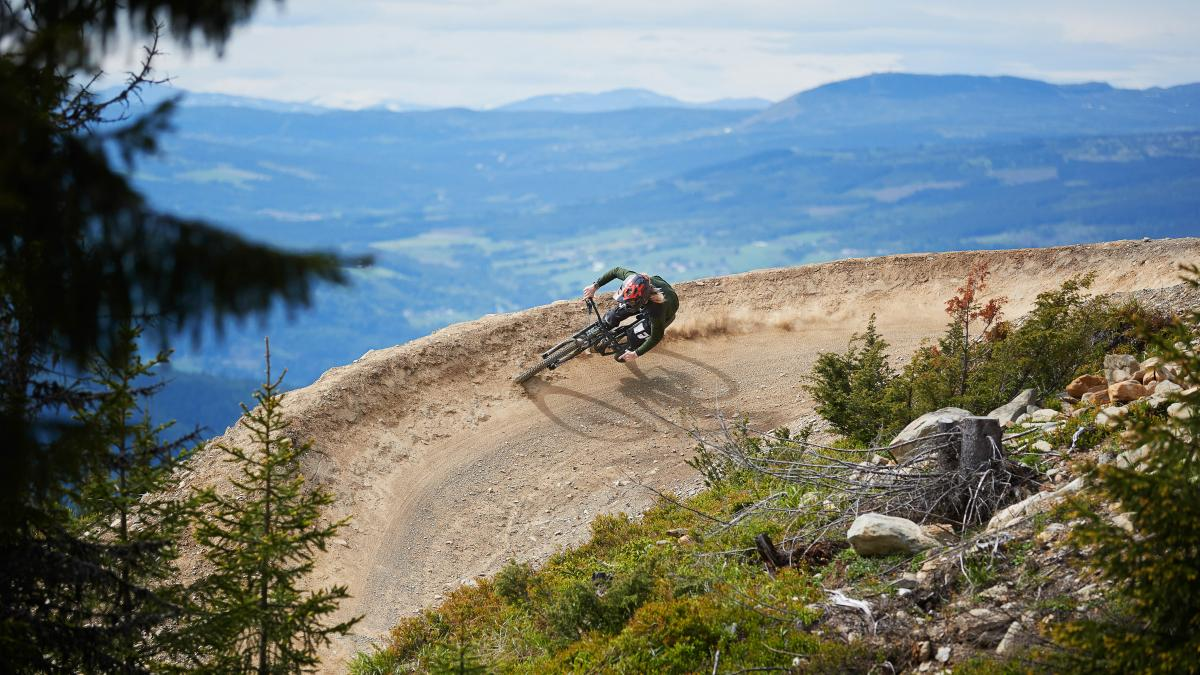downhill biking in Hafjell